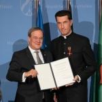 Verleihung Bundesverdienstkreuz an Stadtdechant Dr. WolfgangPicken durch NRW-Ministerpräsident Armin Laschet